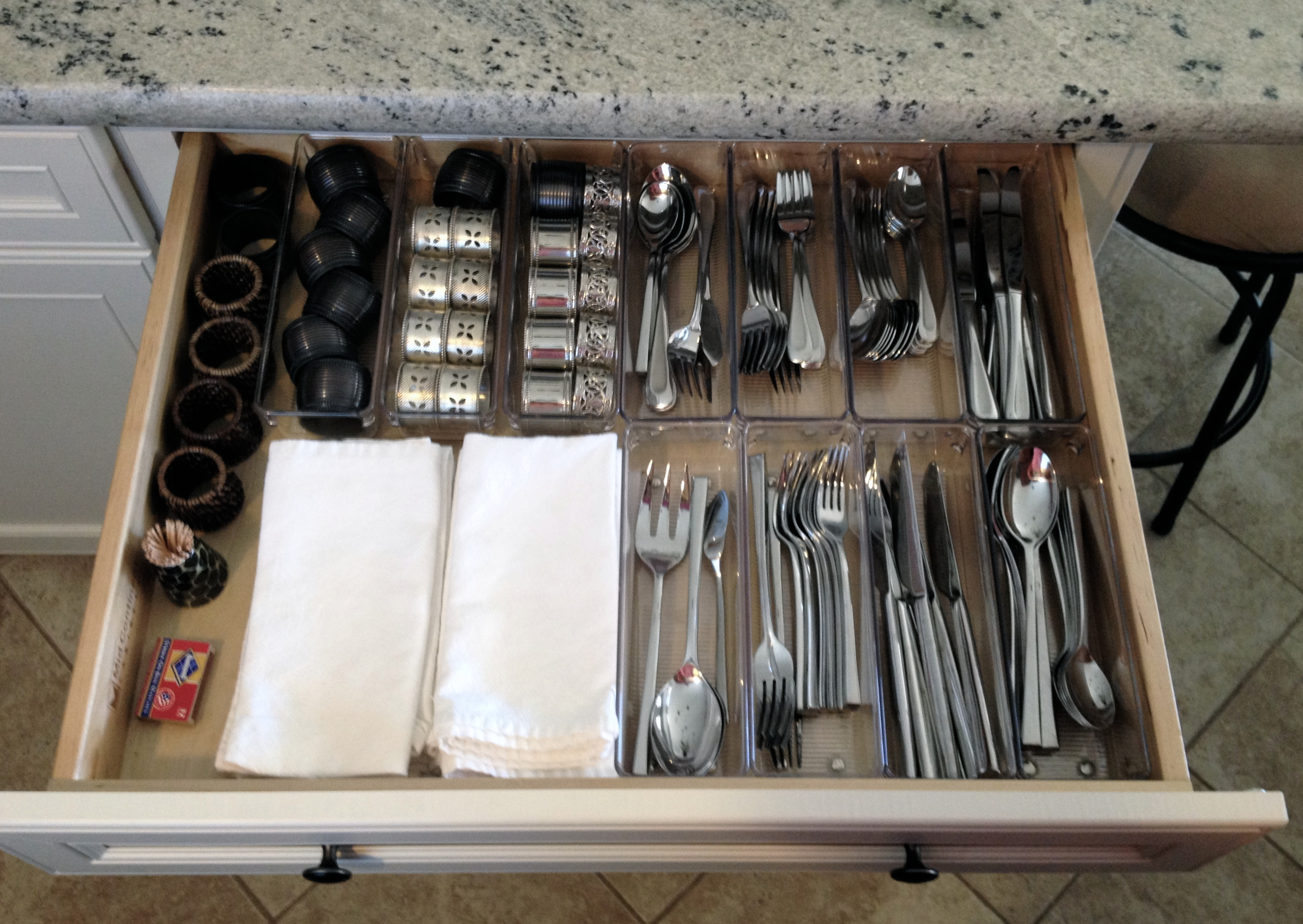 The organized kitchen: Silverware drawer with acrylic dividers from Bed Bath and Beyond | Inspiredhaven.com