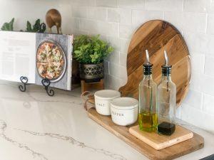 Kitchen counter with variegated tile splash